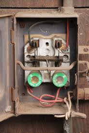 gen3 electric (215) 352 5963 the scary truth about fuse boxes Old Fuse Box both fuses and circuit breakers are designed to prevent a circuit overload so, what's so bad about fuses? put simply, they're just not designed to meet the old fuse box diagram