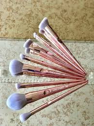 these brushes are absolutely brilliant and if you re on a budget but don t want to promise on quality get yourself to your local wet n wild stockist