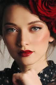 simple eyes 7 ways to achieve a glamorous 1950s makeup look makeup my style in 2018 makeup 1950s makeup makeup looks