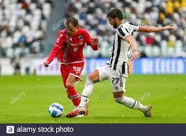 TURIN, Italien. September 2021. Mikkel Damsgaard von UC Sampdoria Manuel  Locatelli von Juventus FC tritt am 26. September 2021 im Allianz Stadium in  Turin, Italien, im Spiel zwischen Juventus FC und UC