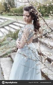 Krásná Mladá Zadávací Homosexuální Dívka S Krásnou Svatební účes S