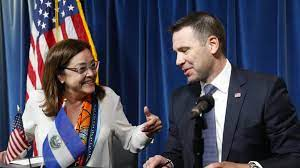 أميركا والسلفادور توقعان اتفاقاً للحد من الهجرة