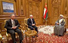 u s department of > photos > photo essays > essay view u s secretary robert m gates talks i sultan qaboos at the bait al