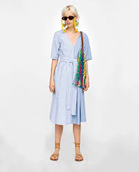 Zara woman combined office Stylish As The Weather Gets Warmer Its Important To Maintain Your Professional Credibility Without Sweating Profusely Every Time You Enter The Office The Daily Mail 16 Summerproof Zara Pieces You Can Wear To Work Career Girl Daily