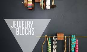 10 Creative Ways to Hang Your Jewelry