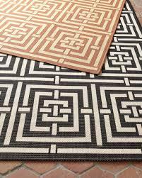 square graphic flatweave rug 8 x