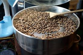 Because uk speciality coffee roasters are trying to create delicious flavours with each bean, they roast coffee beans in small batches to really get the most aroma. Discover The History Of The Coffee Roaster Perfect Daily Grind