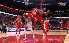 Kris Dunn Almost Has Another Scary Injury