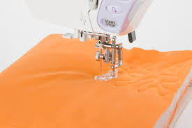 Use a Quilter's Knot to Secure Hand Quilting Stitches & Try Meander Quilting, an Easy Free Motion Quilting Method Adamdwight.com