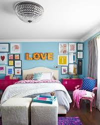 Teen Girl Blue and Pink Bedroom