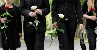 What's the Difference Between Funeral and Memorial Service? | SuperMoney!