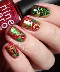 Digit-al Dozen - December ~ Christmas Nails!   Sassy Shelly