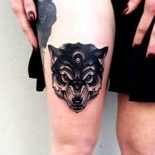 женские тату на бедрах фото и эскизы татуировки на бедре для девушек