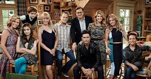 fuller house netflix. Delighful Netflix Netflix Is Keeping The TannerFuller Family Together The Streaming Service  Has Renewed  Inside Fuller House U