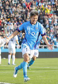 جريدة الرياض   أكبر لاعب كرة قدم في العالم يمدد تعاقده مع يوكوهاما الياباني