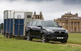 Compact Suv Towing Capacity Comparison Chart 7 Of The Best Cars For Towing Horse Trailers Horse Hound