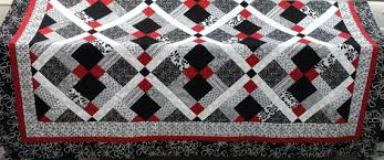 Queen size Quilt pattern; Red, Black and White quilt Disappearing ... & Queen size Quilt pattern; Red, Black and White quilt Disappearing nine patch Adamdwight.com