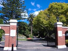 founders gate entrance to botanical gardens glenmore street wellington