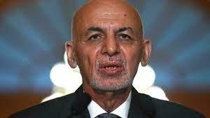 """الرئيس الأفغاني الفار: """"طالبان انتصرت"""""""