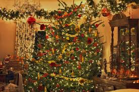... Delectable Look Of Red And Gold Christmas Tree Decorating Ideas :  Divine Decorating Ideas Using White ...