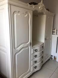 guarda roupa antigo em laca guarda