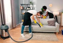 o limpar sofá de tecido encardido