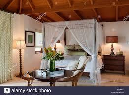 Rustikal Schlafzimmer Mit Himmelbett Im Tamarind Cove Antigua