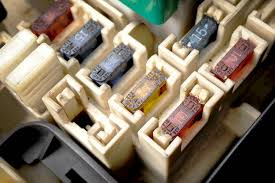 symptoms of a bad or failing fuse box yourmechanic advice  at Do You Have To Reprogram A Fuse Box