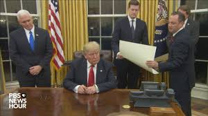 president in oval office. Watch President Trump\u0027s First Signings In Oval Office