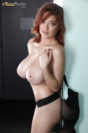 Babe hot big tits