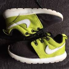 nike 8c. nike roshe run toddler 8c
