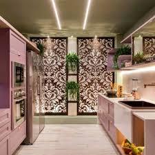 Divisoria em marmorite espessura 35mm, chumbamento no piso e parede com. Bancada De Cozinha Com Ambiente Com Marcenaria Rosa E Bancada De Marmore Cosentino 189284 Viva Decora