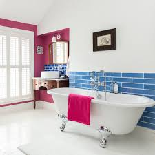 how to clean a bathroom enamel bath