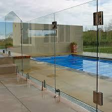 frameless glass pool fencing10