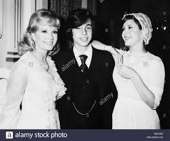 todd fisher children. Plain Fisher Debbie Reynolds With Children Todd Fisher And Carrie July 1974 After  Opening A Three Week To Children Alamy