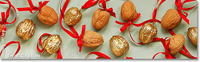 homemade Christmas tree decorations: easy to make Christmas ornaments -  gilded walnuts