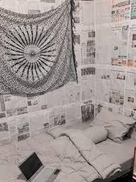 Cara mengenali peta dunia kepada anak melalui wallpaper dinding pada kamar anak. Kreatif Sekaligus Kocak Ini 6 Potret Kamar Tidur Pakai Wallpaper Koran Hot Liputan6 Com