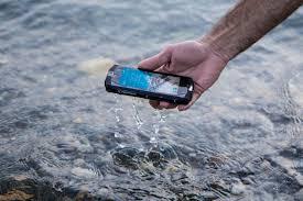 """Résultat de recherche d'images pour """"smartphone mouillé"""""""