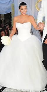 why is the bridal market so flooded with unflattering strapless