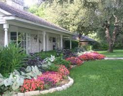 Simple landscaping ideas home Front Yards Recognizealeadercom Simple Landscaping Ideas For Ranch Style Home Www u2026