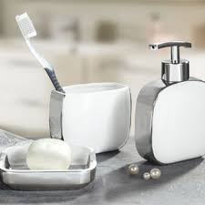 Bath accessories in classic and contemporary designs Vita Futura