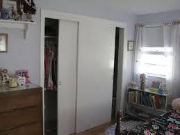 White Sliding Closet Door For Small Bedroom Design - Decofurnish