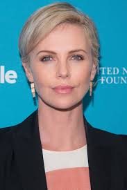 Charlize Theron Short Hair Style charlize theron short hairstyles short hairstyles for women and man 7805 by wearticles.com