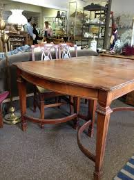 sand and stain this dining room table