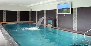How Cool Is Your Pool? 15 of the Most Amazing Home Swimming Pools .