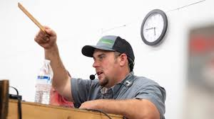 Pennsylvania's auctioneer of the year calls at a rapid speed ...