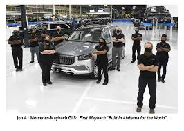 The vehicle bows to welcome you in, lowering its suspension for entry and exit. Mercedes Produces High End Luxury Maybach Suv In Alabama Alabama Newscenter