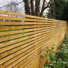 For example a simple picket fence is the best sort of garden fence for a cottage sitting within a cottage garden, while a split rail fence made of red cedar wood goes well with a country style house. How To Build A Slatted Fence