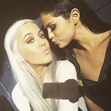here s why lottie tomlinson didn t join selena gomez as her tour makeup artist twist