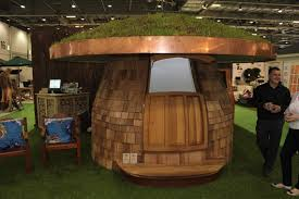 outdoor office pod. Whilst On Its Own It Resembles A Bizarre Geometric Shape, Inside Is Designed To Be The Perfect Outdoor Office. Office Pod